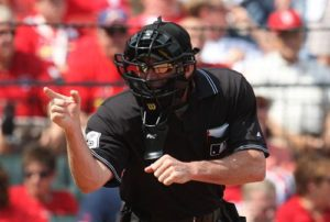 Umpire_Mike_Winters_a60e